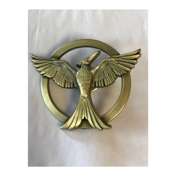 Nwot Gold Mockingjay Pin From The Hunger Games Nwt